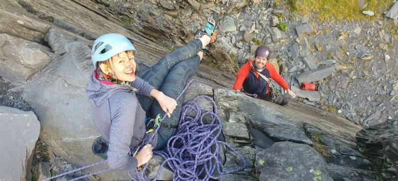 learn to lead rock climbing course in Snowdonia on the slate